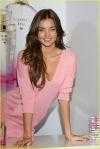 miranda-kerr-heavenly-kiss-19